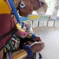 african-women-handwork
